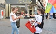 Allo Resto - Street Marketing - Diffusion de flyers - NON STOP MEDIA Atlantique