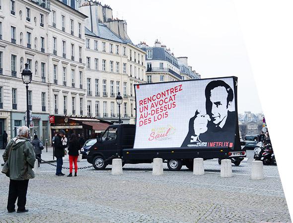 Netflix - Affichage mobile panoramique - NON STOP MEDIA Ile de France