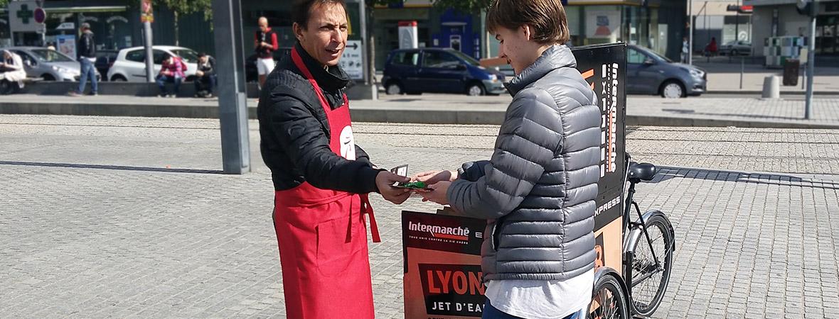 Intermarché campagne outdoor multi dispositifs : street marketing - NON STOP MEDIA RA