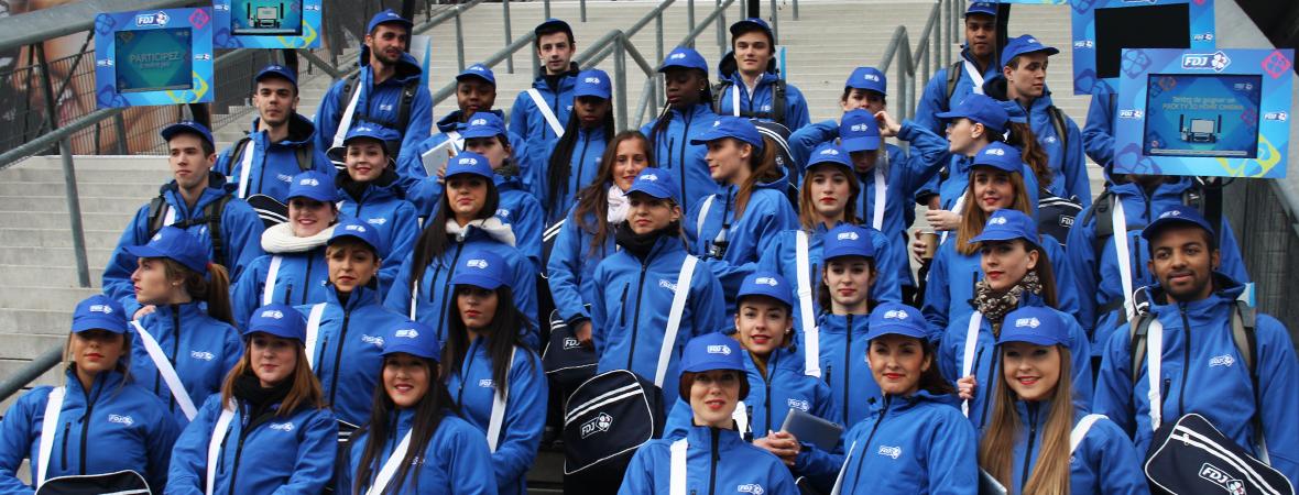 recrutement de personnel, body screen - street marketing - NON STOP MEDIA Rhône Alpes