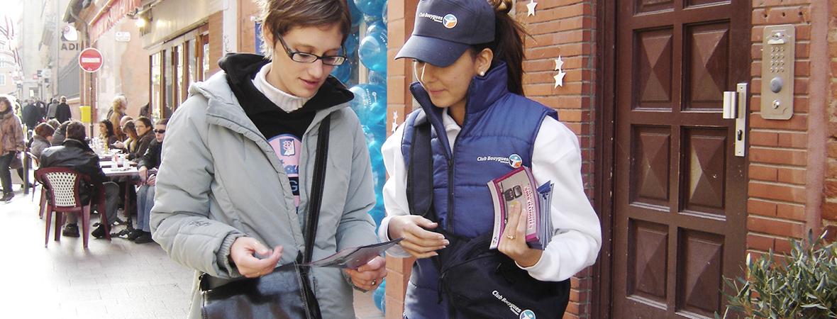 Distribution de leaflets - street marketing - NON STOP MEDIA Rhône Alpes