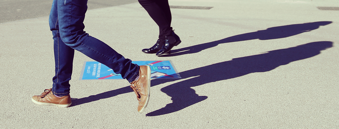marquage au sol stickers - street marketing - NON STOP MEDIA Rhône Alpes