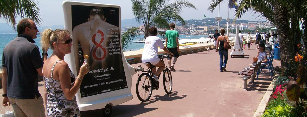 Bike'Com, le vélo publicitaire affichage mobile - street marketing - NON STOP MEDIA Rhône Alpes