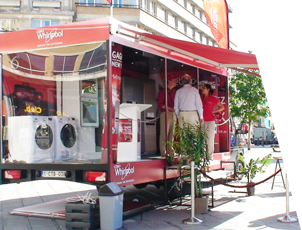 Whirlpool - Affichage Mobile - Showroom Mobile - Groupe NON STOP MEDIA