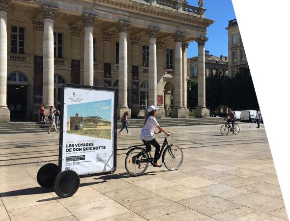 Bike'Com, vélo publicitaire - Affichage mobile - NON STOP MEDIA Aquitaine