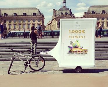 L. Barrière s'affiche en vélo