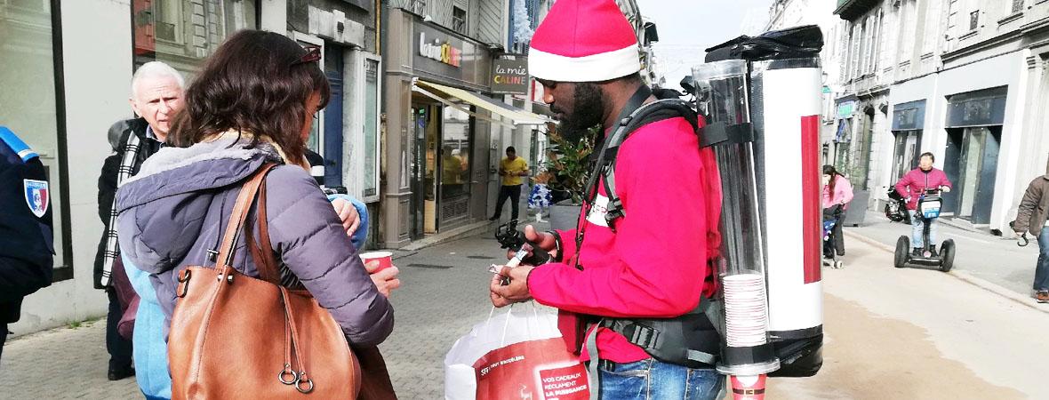 diffusion de flyers et distribution de boisson pour SFR avec NON STOP MEDIA Aquitaine