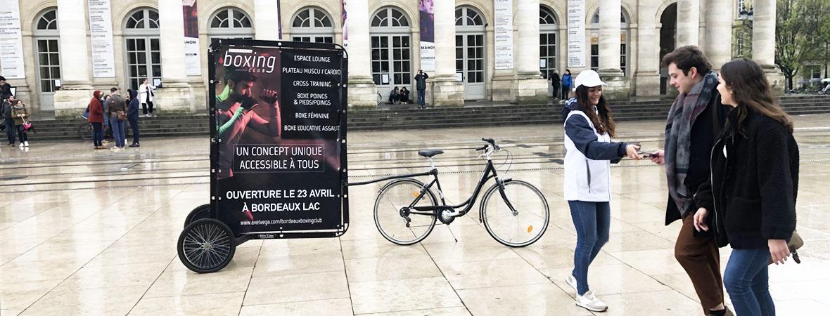 Diffusion street marketing et affichage mobile pour Axel vega avec NON STOP MEDIA Aquitaine