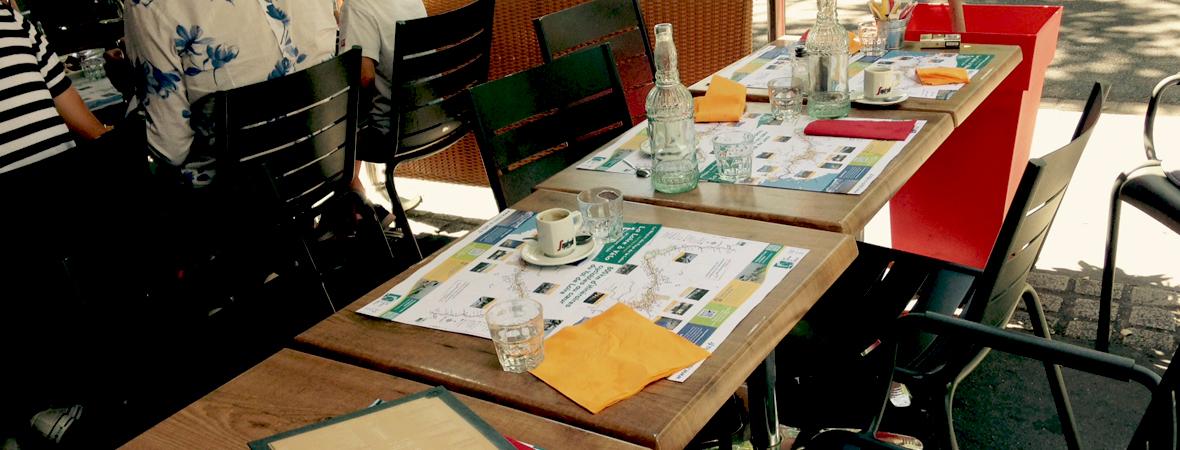 Diffusion de set de table publicitaires pour Loire à vélo - NON STOP MEDIA Atlantique