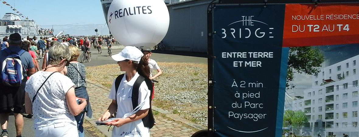Promoteur Realites - street marketing en body ball - NON STOP MEDIA Atlantique