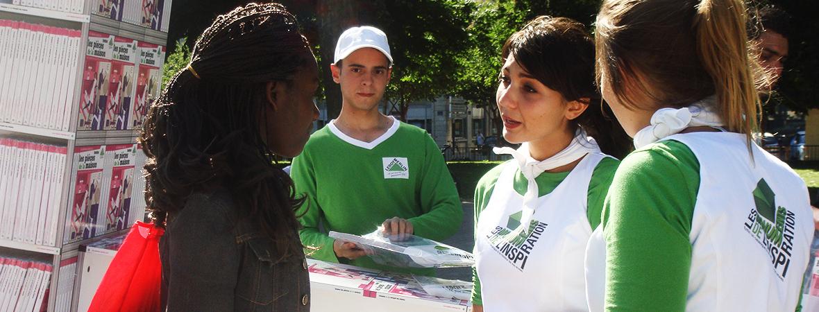 Distribution de tracts pour le street marketing - NON STOP MEDIA Atlantique