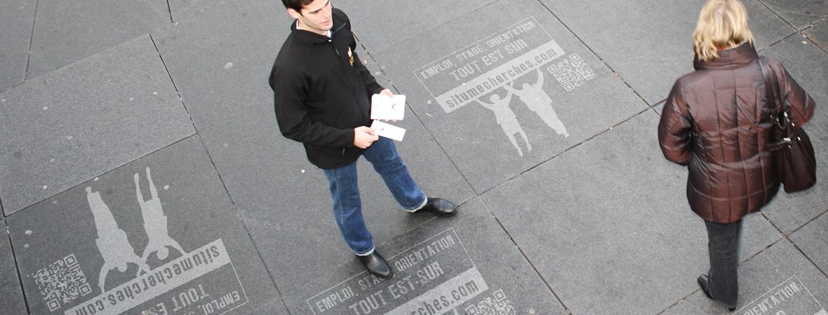Marquage au sol et clean tag pour guerilla marketing en street marketing - NON STOP MEDIA Atlantique