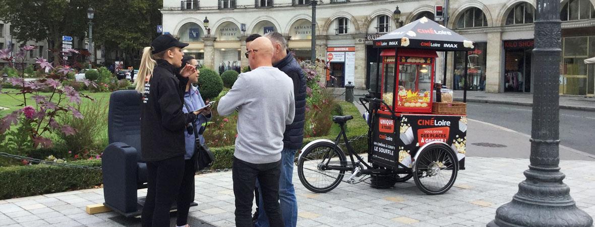 Animation triporteur pop corn et street marketing pour Cinéloire avec NON STOP MEDIA Centre