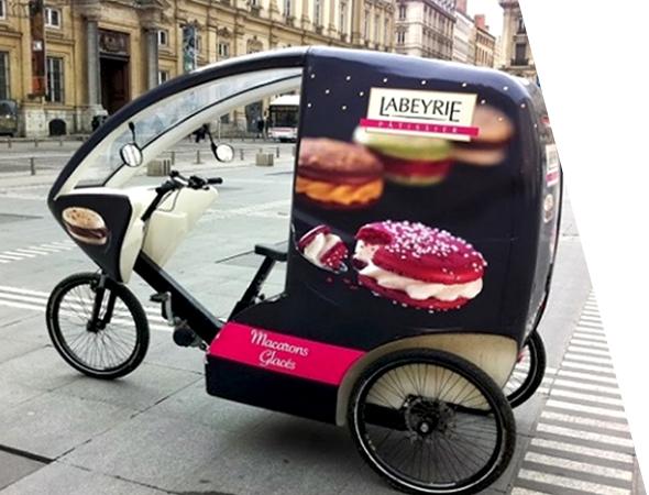 Labeyrie - vélo taxi et transport de personne - Affichage mobile écologique - Gumba - Groupe NON STOP MEDIA