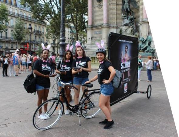 Bike'Com, vélo publicitaire en rue piétonne - Affichage mobile - NON STOP MEDIA Nord