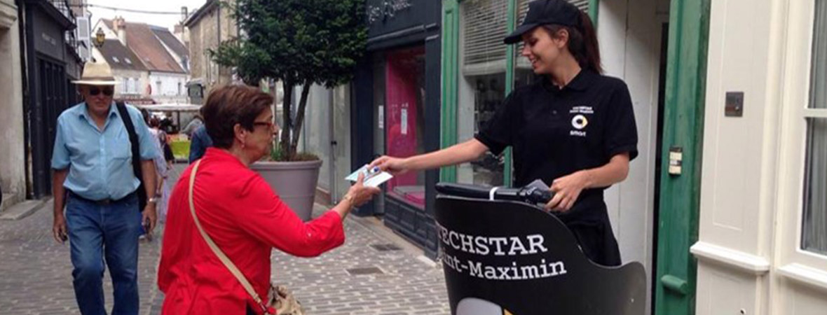 Distribution de flyer sur segway - NON STOP MEDIA Nord
