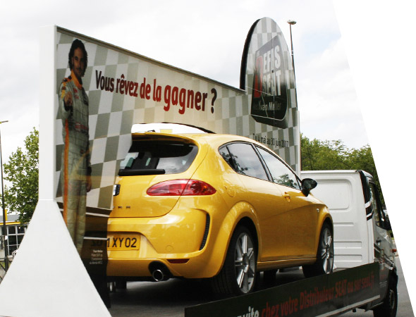 Camion de parade, podium 3D, affichage mobile - NON STOP MEDIA Normandie