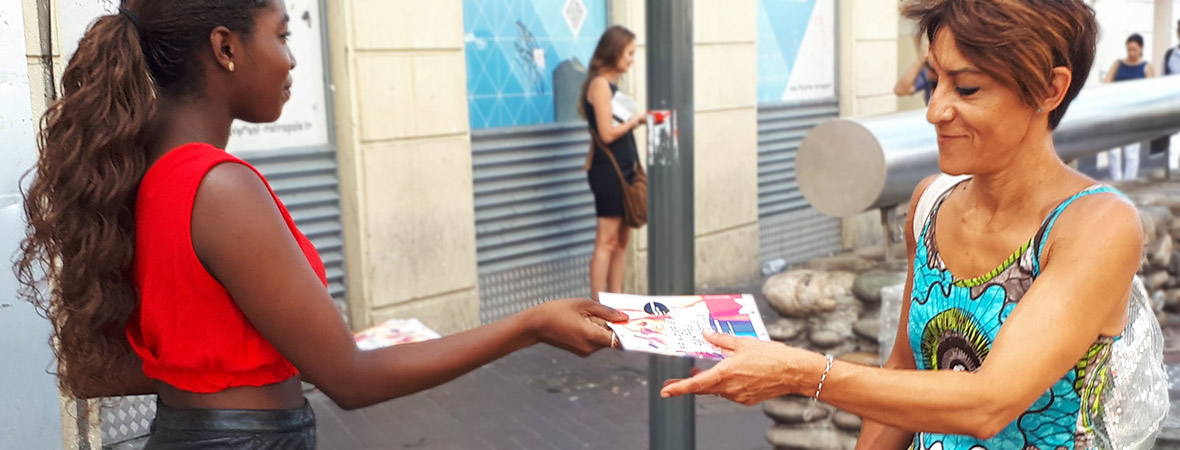 Grande braderie street marketing diffusion de flyers - NON STOP MEDIA PACA