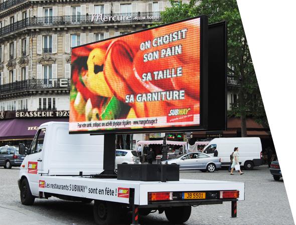 Camion publicitaire Euroled à écran geant digital, affichage mobile - NON STOP MEDIA PACA