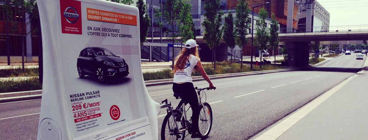 Nissan - Street Maketing - Affichage mobile - NON STOP MEDIA Rhône Alpes