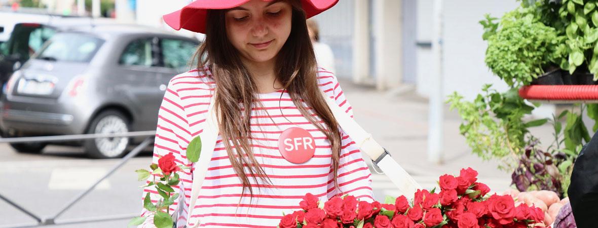 Distribution de roses pour SFR avec NON STOP MEDIA Rhône Alpes