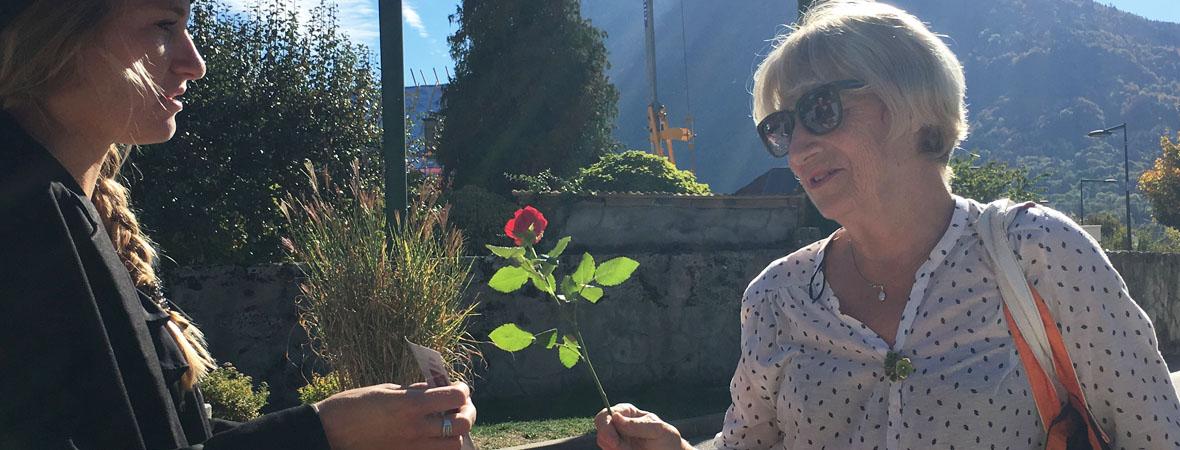 Distribution de roses en street marketing pour Cogedim avec NON STOP MEDIA Rhone Alpes
