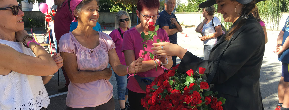 Distribution de roses en street marketing pour Cogedim avec NON STOP MEDIA Rhone Alpes