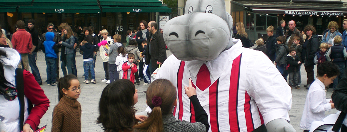 Mascotte et personnel d'animation pour le street marketing - NON STOP MEDIA Rhône Alpes