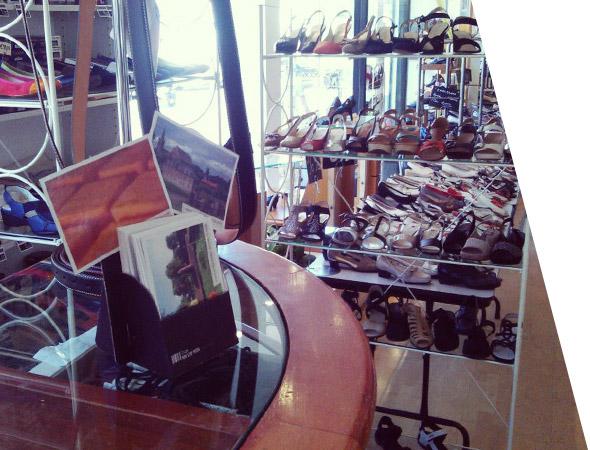Présentoir prospectus de comptoir - NON STOP MEDIA Rhône Alpes