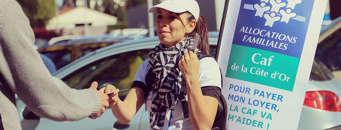 Street marketing avec hôtesses pour la CAF - Groupe NON STOP MEDIA